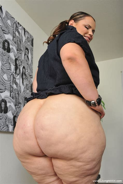 gigantic naked woman jpg 799x1200